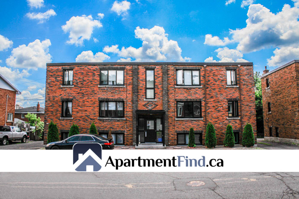 Front Building of this 2 bedroom apartment ottawa - 198 Lavergne Street