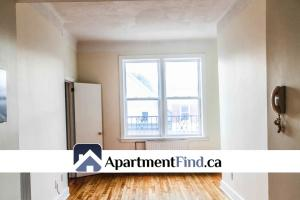 Bachelor for rent Centretown